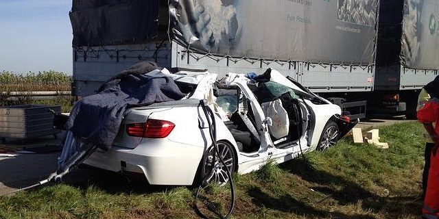 bmw_crash