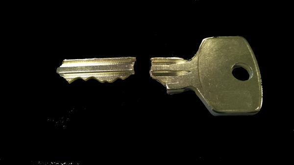 Zlomený klíč_ilustračka