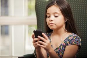 Svět v bezpečí - Průzkum O2: Třetina rodičů své děti nechává na internetu bez dozoru