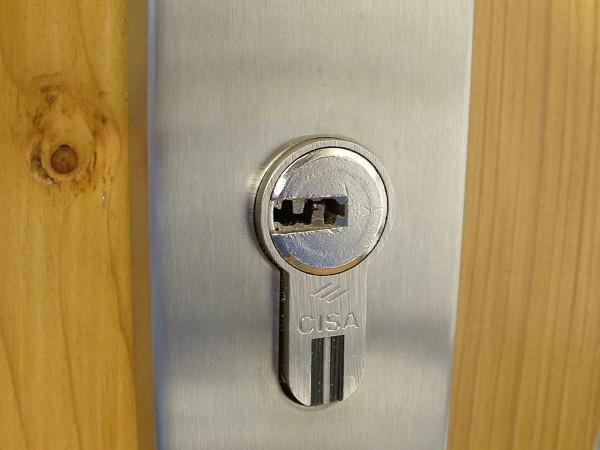 Svět v bezpečí - Nedejte zlodějům šanci! Část 3: Tři zásady pro bezpečné dveře