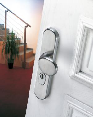 Nedejte zlodějům šanci! Část 5: Jak vybrat dveřní kování