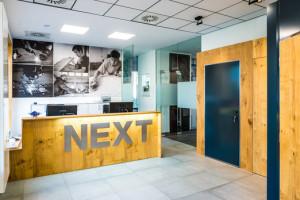 Next otevřel nový showroom na Pankráci
