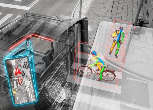 Umělá inteligence pomůže asistenčnímu systému pro odbočování vpravo odhadnout chování chodců i cyklistů a zajistit tak v budoucnosti bezpečnější provoz.