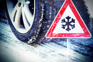 Svět v bezpečí - Nepodceňujte přezutí na zimní pneumatiky. Ty letní ztrácejí své bezpečné vlastnosti ještě nad bodem mrazu