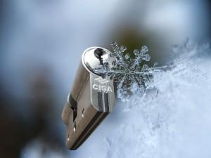 Svět v bezpečí - Jak předejít zasekávání zámků v zimě?