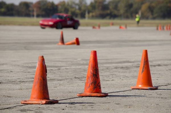 Svět v bezpečí - Kurzy pro řidiče dávno nejsou jen škola smyku. Pomáhají předvídat na cestách i šetřit benzín