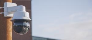 Svět v bezpečí - Nová vysokorychlostní PTZ kamera Axis: 31× optický zoom, skvělý obraz ve tmě a ochrana před kyberútoky