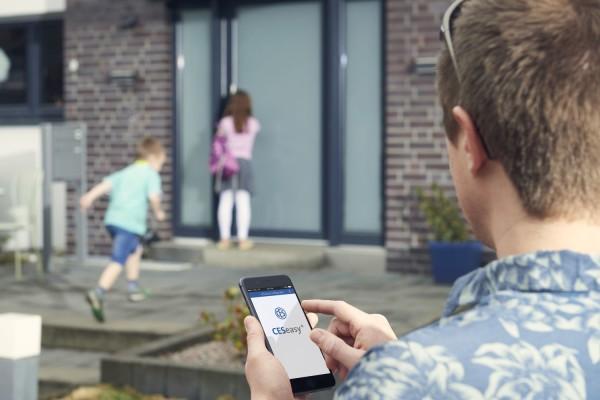 Svět v bezpečí - CESeasy: smartphone jako inteligentní klíč ke vstupu do domu, firmy i garáže