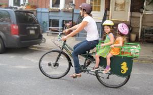 Svět v bezpečí - ÚAMK radí: Na bicyklu s dvěma dětmi